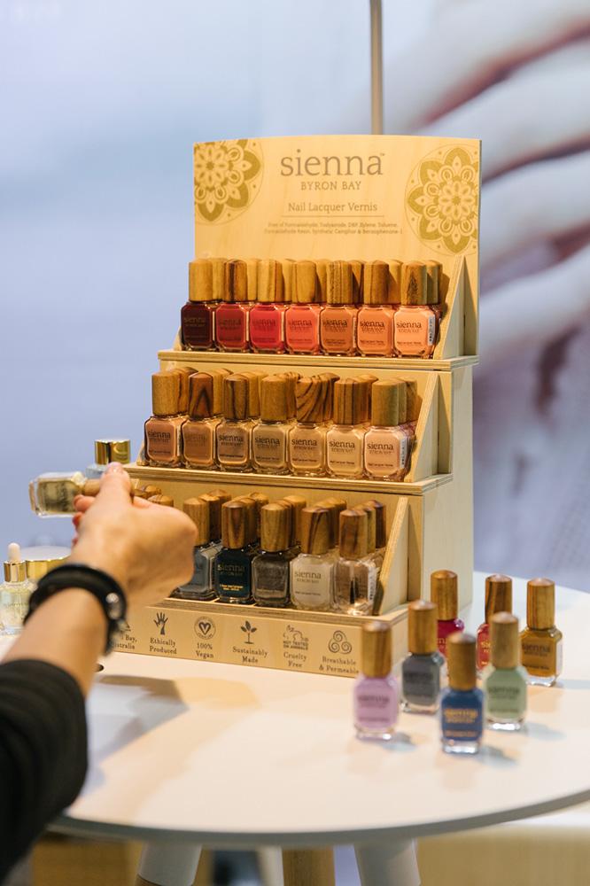 Sienna Byron Bay nail polish stand