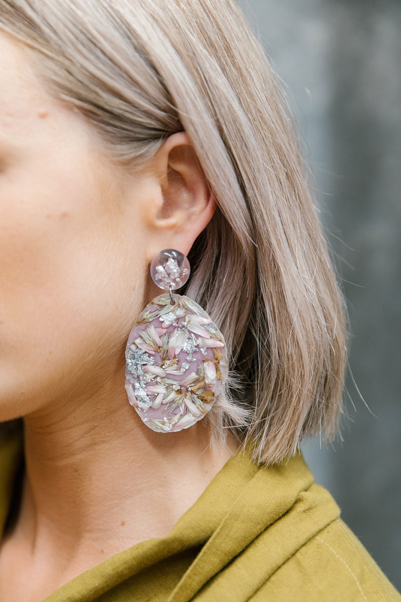 Oversized resin earrings with florals set inside